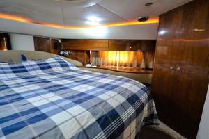 61' Viking Princess Sport Cruiser 2004 VIP Stateroom Starboard