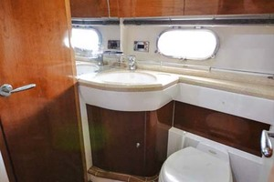 61' Viking Princess Sport Cruiser 2004 Guest Head