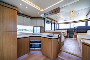 52' Absolute 52 Navetta 2017 Galley