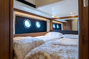 52' Absolute 52 Navetta 2017 Central Guest Cabin