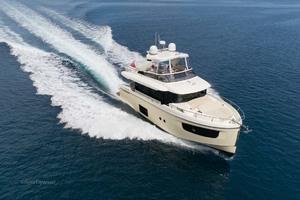 52' Absolute 52 Navetta 2017 StarboardBowRunning