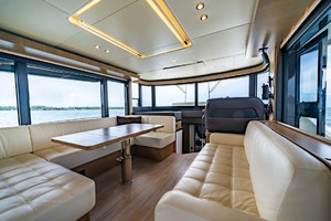 52' Absolute 52 Navetta 2017 Main Salon