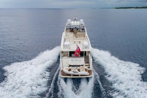 52' Absolute 52 Navetta 2017 Stern View Running