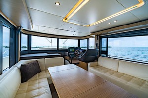 52' Absolute 52 Navetta 2017 Lower Helm And Salon