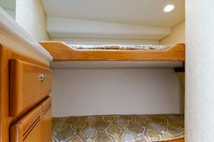 45' Cabo Express 2007 Guest Stateroom