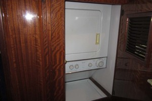 53' Hatteras Motoryacht 1978 WASHER DRYER