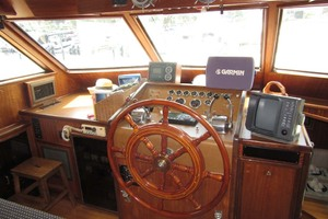 53' Hatteras Motoryacht 1978 LOWER HELM