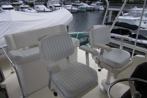 53' Hatteras Motoryacht 1978 HELM SEATING