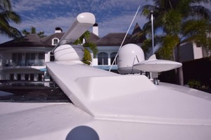 51' Sea Ray 510 Sundancer 2015 Archway Details