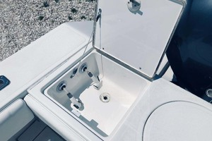 34' Venture Center Console 2004 Fresh And Raw Water Washdown