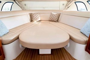 47' Intrepid 475 Sport Yacht 2015 Convertible Dinette