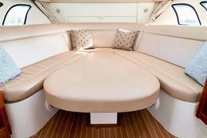 47' Intrepid 475 Sport Yacht 2015 ConvertibleDinette