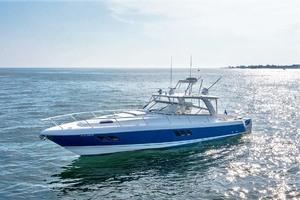 47' Intrepid 475 Sport Yacht 2015 Port
