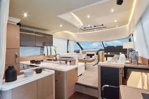 50' Prestige 500 Fly 2016 Galley/ Salon