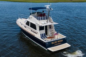 photo of Sabre Flybridge - Blue Moon