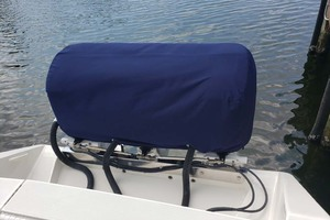 38' Jupiter Center Console 2008 Engine Cover