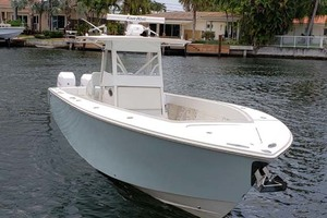 38' Jupiter Center Console 2008 Starboard Bow