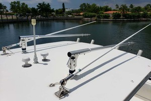 38' Jupiter Center Console 2008 Outriggers And Light