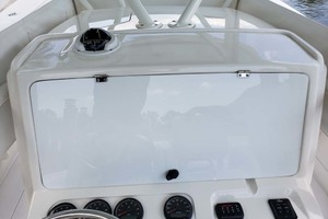 38' Jupiter Center Console 2008 Helm Cover
