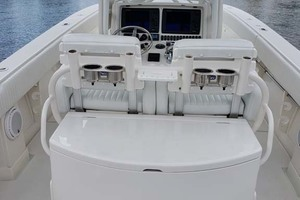 38' Jupiter Center Console 2008 Center Console