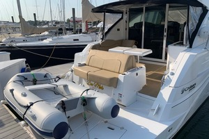 41' Cruisers 41 Cantius 2015 Transom