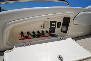 50' Sunseeker 48 Superhawk 1998 12V Switches