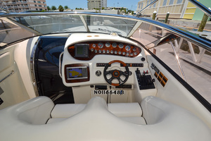 50' Sunseeker 48 Superhawk 1998 Helm