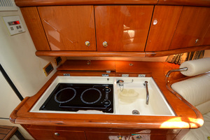50' Sunseeker 48 Superhawk 1998 Stove