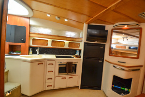 49' Sea Ray 440 Sundancer 1994 Galley
