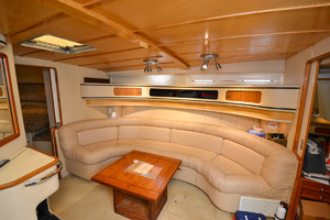 49' Sea Ray 440 Sundancer 1994 Sofa