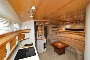 49' Sea Ray 440 Sundancer 1994 Cabin