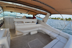 49' Sea Ray 440 Sundancer 1994 Cockpit
