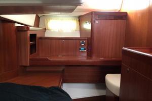 49' Beneteau America 49 2007 Aft cabin desk and hanging locker