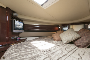 52' Sea Ray 52 Sundancer 2007 TV in the master stateroom