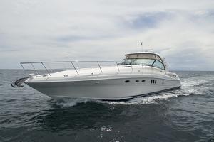 52' Sea Ray 52 Sundancer 2007 Port bow profile