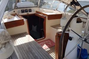42' Hallberg-Rassy 42F MK I 1994 Portside Cockpit