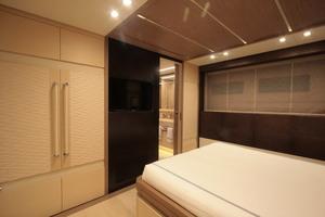 131' Columbus Yachts 40 Sport Hybrid 2013