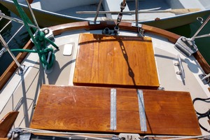 40' Hinckley Bermuda 40 MK III Sloop 1979 Cockpit Table