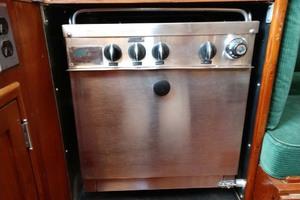 40' Hinckley Bermuda 40 MK III Sloop 1979 Gimbaled Stove Oven