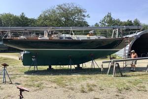 40' Hinckley Bermuda 40 MK III Sloop 1979 Underwater Profile