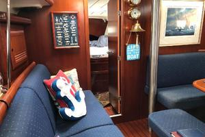 43' Beneteau America 423 2004 Main cabin port side