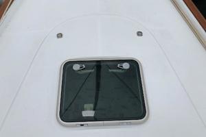 43' Beneteau America 423 2004 Fore deck hatch: like new
