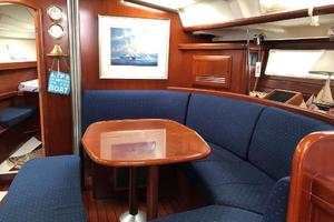 43' Beneteau America 423 2004 Main cabin salon table can be extended
