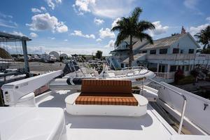 72' Hatteras 72 Motor Yacht 2008 Boat Deck Settee