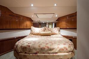 72' Hatteras 72 Motor Yacht 2008 VIP Guest Stateroom
