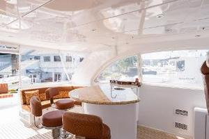 73' Hatteras 72 Motor Yacht 2008 Flybridge Bar