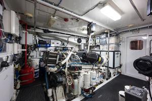 72' Hatteras 72 Motor Yacht 2008 Starboard Engine