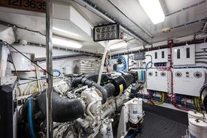 72' Hatteras 72 Motor Yacht 2008 Port Engine Rear