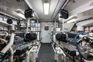 72' Hatteras 72 Motor Yacht 2008 Engine Room Aft