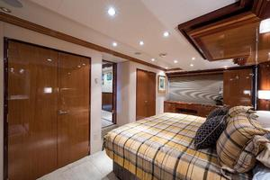 72' Hatteras 72 Motor Yacht 2008 Master Stateroom Forward to Starboard